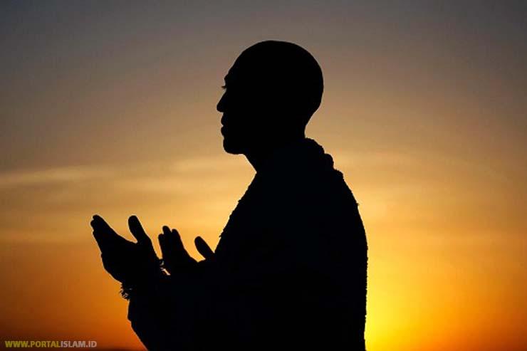 Bacaan Doa Qunut Subuh Sendiri dan Berjamaah Sesuai Sunnah